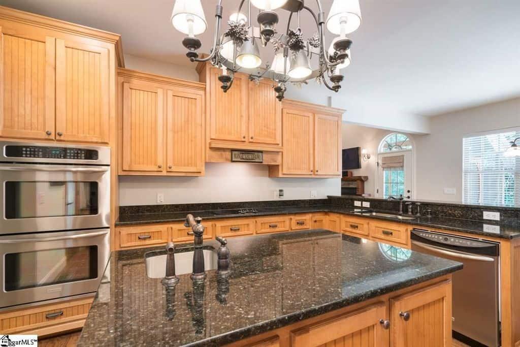 1204 Kitchen3